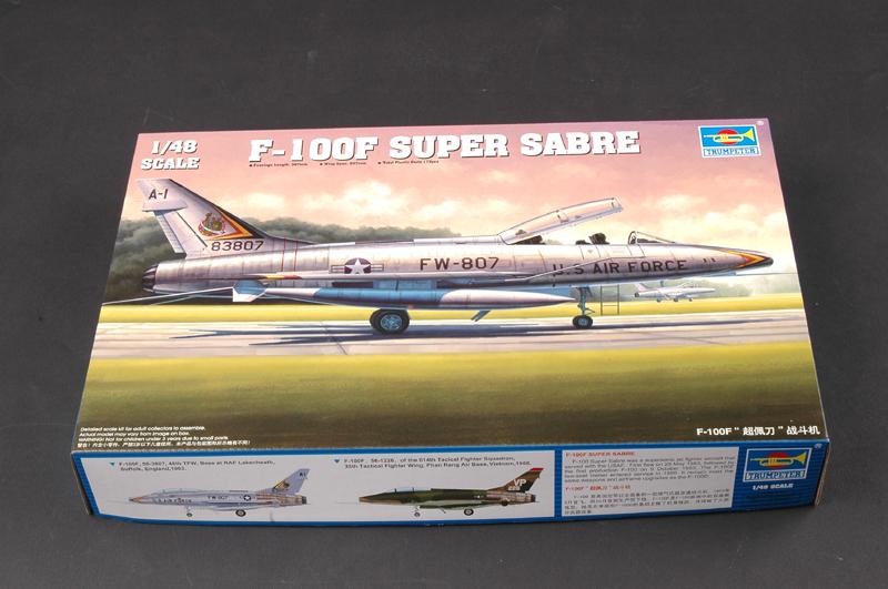 Trumpeter 1//48 F-100F Super Sabre 2 places # 02840