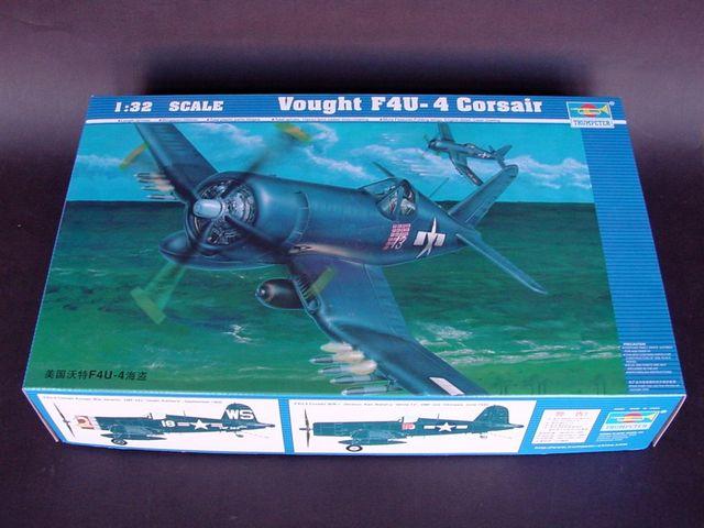 Trumpeter 1//32 F4U4 Corsair Aircraft TRP2222